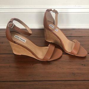 Steve Madden Brown Wedge Sandals Size 10